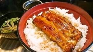 恒例の鰻丼。
